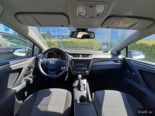 Wynajmij toyotę avensis | Wypożyczalnia Samochodów Exelcar |  - zdjęcie nr 4