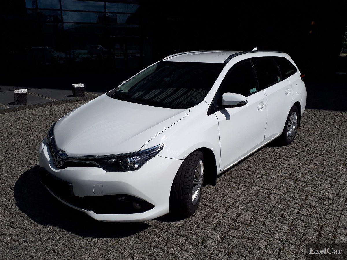 Hybryda i jej spalanie - wypożyczalnia samochodów Exelcar