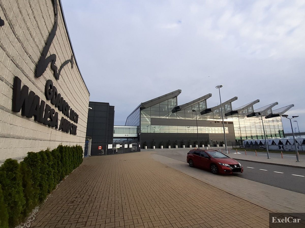 Wynajem auta na lotnisku  - wypożyczalnia samochodów Exelcar