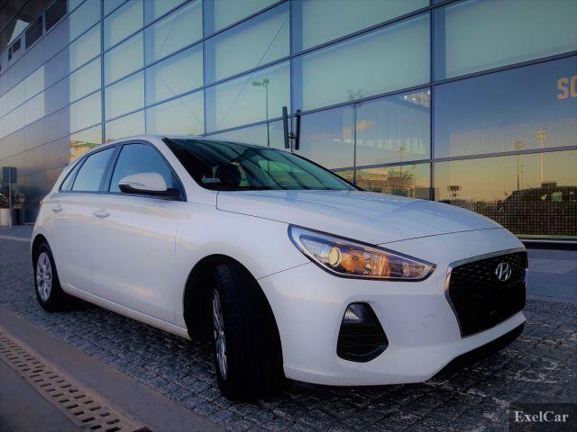Wynajmij hyundaia i30 | Wypożyczalnia Samochodów Exel |